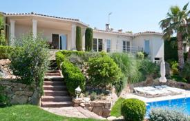 4 bedroom houses for sale in Castell Platja d'Aro. Spacious villa with a pool, a terrace and panoramic sea views, near the city center, Castell Platja d'Aro, Spain