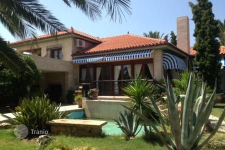 Coastal residential for sale in Moudania. Villa – Moudania, Administration of Macedonia and Thrace, Greece