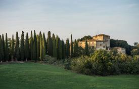 Villas and houses for rent with swimming pools in Buonconvento. Castello Tancredi