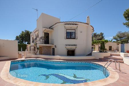 Property for sale in Senija. 7 bedroom villa with sea views, 1360 m² plot and summer dining area in Benissa