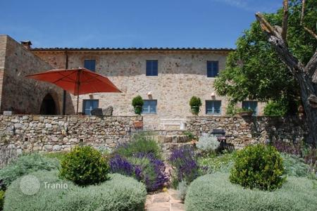 6 bedroom villas and houses to rent in Colle di Val D'elsa. Villa – Colle di Val D'elsa, Tuscany, Italy