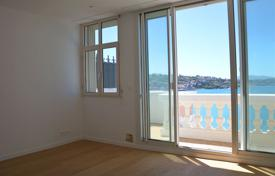 1 bedroom apartments for sale in Aquitaine. One-bedroom apartment with sea and mountain views, in Saint-Jean-de-Luz, Aquitaine, France