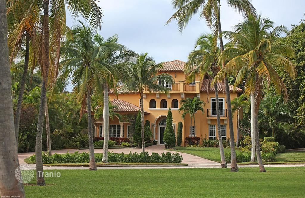 Luxury 6 bedroom houses for sale in west palm beach buy for Palm beach home collection