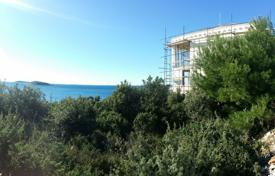 Houses with pools by the sea for sale in Sibenik-Knin. Villa in Rogoznica