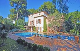 Luxury 6 bedroom houses for sale in Antibes. Villa – Cap d'Antibes, Antibes, Côte d'Azur (French Riviera), France