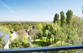Luxury 4 bedroom houses for sale in Louveciennes. Views over Paris — Exceptional Property