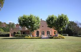 6 bedroom villas and houses to rent in Provence - Alpes - Cote d'Azur. Detached house – Provence — Alpes — Cote d'Azur, France