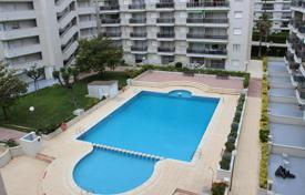 Residential for sale in Costa Dorada. A spacious apartment with a seaview