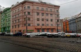 Bright apartment with a balcony, in a brick building, 20 minutes drive from the city center, Prague 10, Czech Republic for 168,000 €