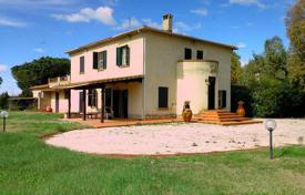 4 bedroom houses for sale in Orbetello. Villa – Orbetello, Tuscany, Italy