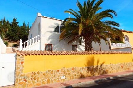 Cheap 4 bedroom houses for sale in Costa Blanca. 4 bedroom villa with private pool and big sunny terraces in Blue Lagoon, Torrevieja