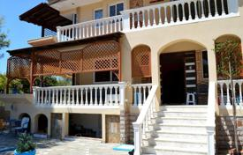 Luxury 3 bedroom houses for sale in Southern Europe. Villa – Attica, Greece