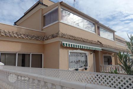 Townhouses for sale in Villamartin. Terraced house – Villamartin, Andalusia, Spain