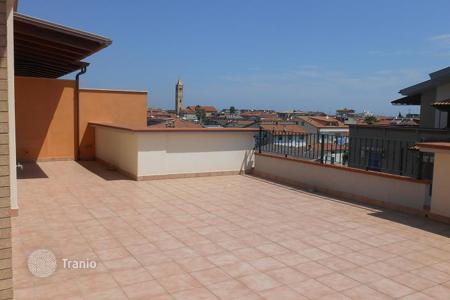 Apartments for sale in Martinsicuro. Apartments with quality finishes and a terrace in a new residential complex in Martinsicuro, 300 meters from the sea