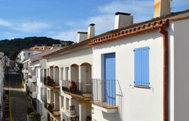 3 bedroom apartments for sale in Costa Brava. Apartment – Calella de Palafrugell, Catalonia, Spain