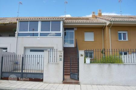 Cheap residential for sale in Esquivias. Villa – Esquivias, Castille La Mancha, Spain