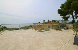 Property for sale in Costa d'en Blanes. Spacious villa with a private garden, a pool, a parking and sea views, Costa d'en Blanes, Spain