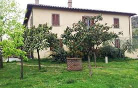 Houses for sale in Tuscany. Villa – Cortona, Tuscany, Italy