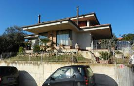 Property for sale in Marche. The three-storyed house in a good condition in the city of Mondolfo