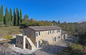 3 bedroom houses for sale in Tuscany. Villa – Cetona, Tuscany, Italy