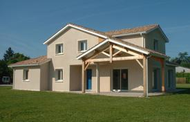 4 bedroom houses for sale in Nouvelle-Aquitaine. New villa with a spacious garden, 1 hour drive southeast of Bordeaux, Lo and Garonne, France