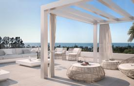 Coastal residential for sale in Marbella. Apartments in a new gated residential complex with an underground parking, a pool and a garden, near the golf club, Marbella, Spain