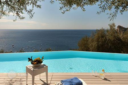 Villas and houses for rent with swimming pools in Amalfi. Villa Costanza