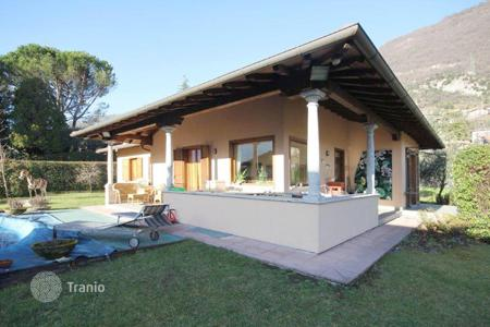 Coastal houses for sale in Lombardy. Villa - Lake Como, Lombardy, Italy