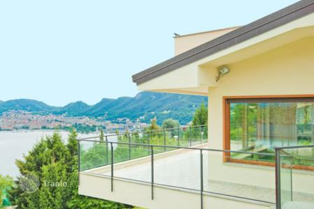 4 bedroom houses for sale in Lombardy. Luxury villa overlooking Lake Como, Italy