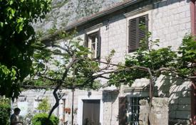 Small cottage with a garden on the first line from the sea, Kotor, Montenegro for 900,000 €