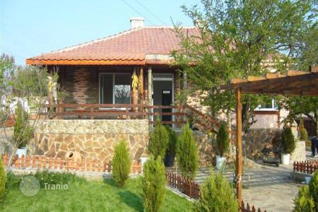 2 bedroom houses for sale in Bulgaria. For sale a fully renovated single-storey house 30 km from Burgas city, Kameno municipality