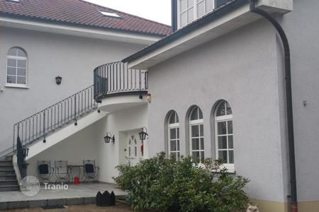 Houses for sale in Baden-Wurttemberg. Villa with 3 apartments, garage and garden near Lichtentaler alley in the spa town of Baden-Baden