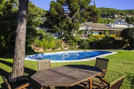 6 bedroom houses for sale in Costa del Maresme. Villa – Cabrils, Catalonia, Spain