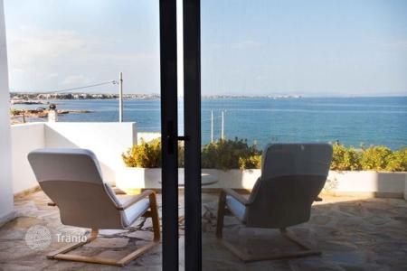 5 bedroom villas and houses by the sea to rent in Greece. Villa - Artemida, Attica, Greece