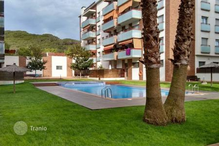 Cheap 3 bedroom apartments for sale in Lloret de Mar. Flat with 3 bedrooms in Rieral