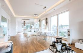 Penthouses for sale in Germany. Duplex penthouse with 2 terraces and views of the forest, next to the pond, district Dahlem, Berlin
