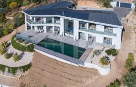 Newly built contemporary property with panoramic sea view. Price on request