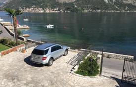 Coastal residential for sale in Gornji Stoliv. Apartment – Gornji Stoliv, Kotor, Montenegro
