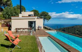 4 bedroom houses by the sea for sale in Costa Brava. Villa – Begur, Catalonia, Spain