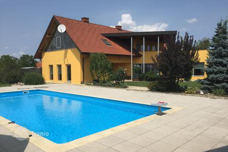 Luxury houses with pools for sale in Slovenia. Villa – Ljutomer, Slovenia