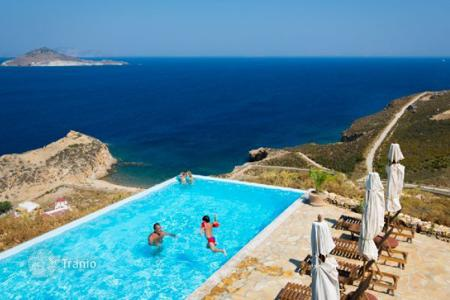 Villas and houses for rent with swimming pools in Aegean. This fantastic very private villa with an amazing pool is found in just 150 meters from the beach, in Patmos island. It offers com