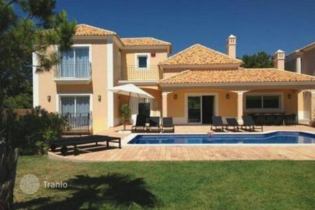 Residential to rent in Albufeira. Detached house – Albufeira, Faro, Portugal