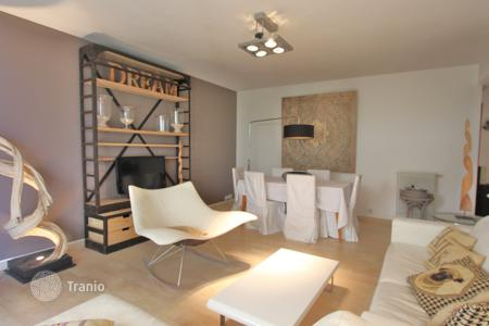 3 bedroom apartments to rent in France. Apartment – Cap d'Antibes, Antibes, Côte d'Azur (French Riviera),  France