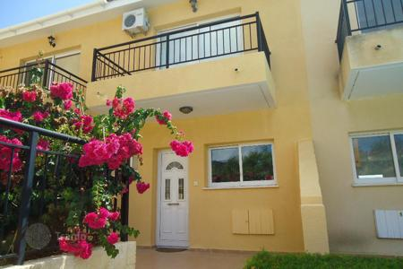 Cheap 2 bedroom houses for sale in Cyprus. Thee Bedroom Townhouse