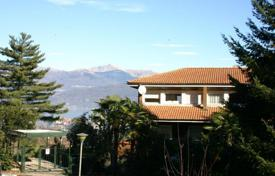 Apartments for sale in Stresa. Cozy flat with a balcony and lake views, Stresa, Piedmont, Italy