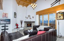 Villas and houses for rent with swimming pools in Valais. Detached house – Riddes, Valais, Switzerland
