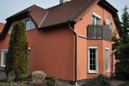4 bedroom houses for sale in Central Bohemia. Villa – Central Bohemia, Czech Republic