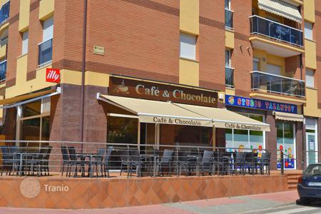 Cheap commercial property in Europe. Renovated cafe in a prestigious area, in the resort town of Lloret de Mar, Costa Brava