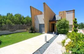 Houses for sale in Bétera. Stylish villa with a pool and a garden, Cumbres de San Antonio, Valencia, Spain