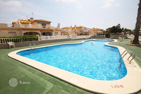 Cheap chalets for sale in Costa Blanca. Orihuela Costa, Los Dolces. Bungalow of 78 m² with 120 m² plot